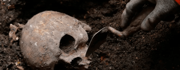 An archaeologist in London, U.K., digs out skeletons CBC News | James Alexander Michie