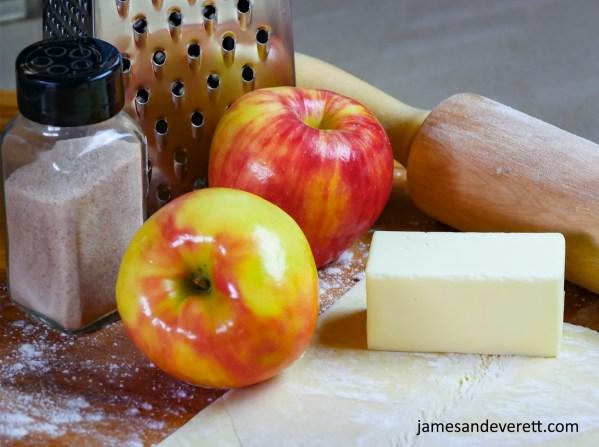 Franzbrötchen mit Apfel