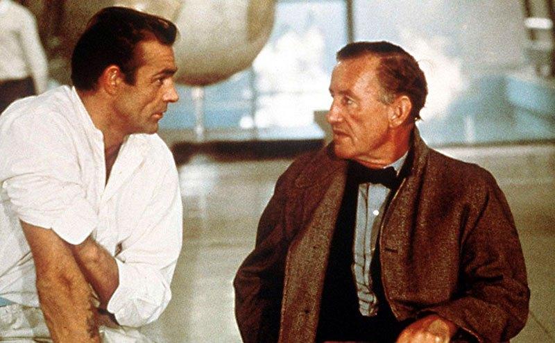 Sean Connery et Ian Fleming sur le tournage de Docteur No.