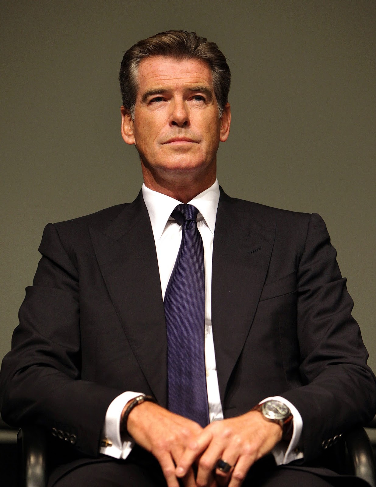Pierce brosnan club james bond france for Actor watches