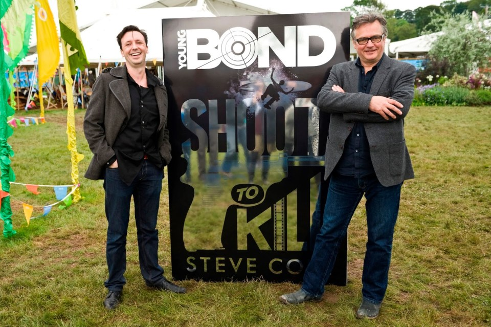 Steve+Cole+and+Charlie+Higson_Young+Bond+Shoot+to+Kill+reveal+at+Hay+Festival+2014_credit+Jeff+Morgan+copy