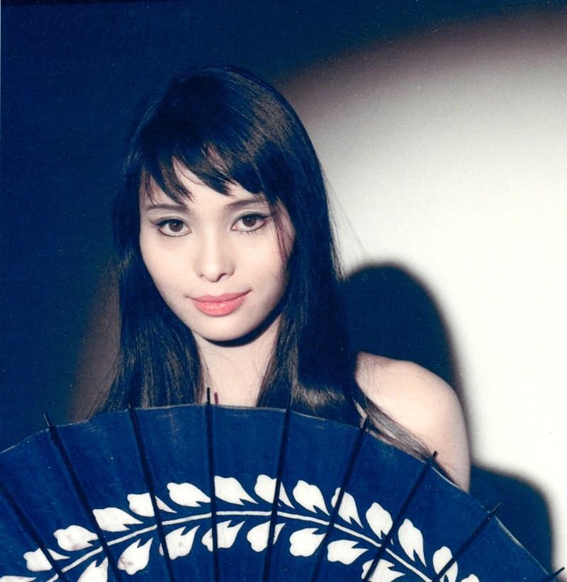 Aki (Akiko Wakabayashi) - Club James Bond France