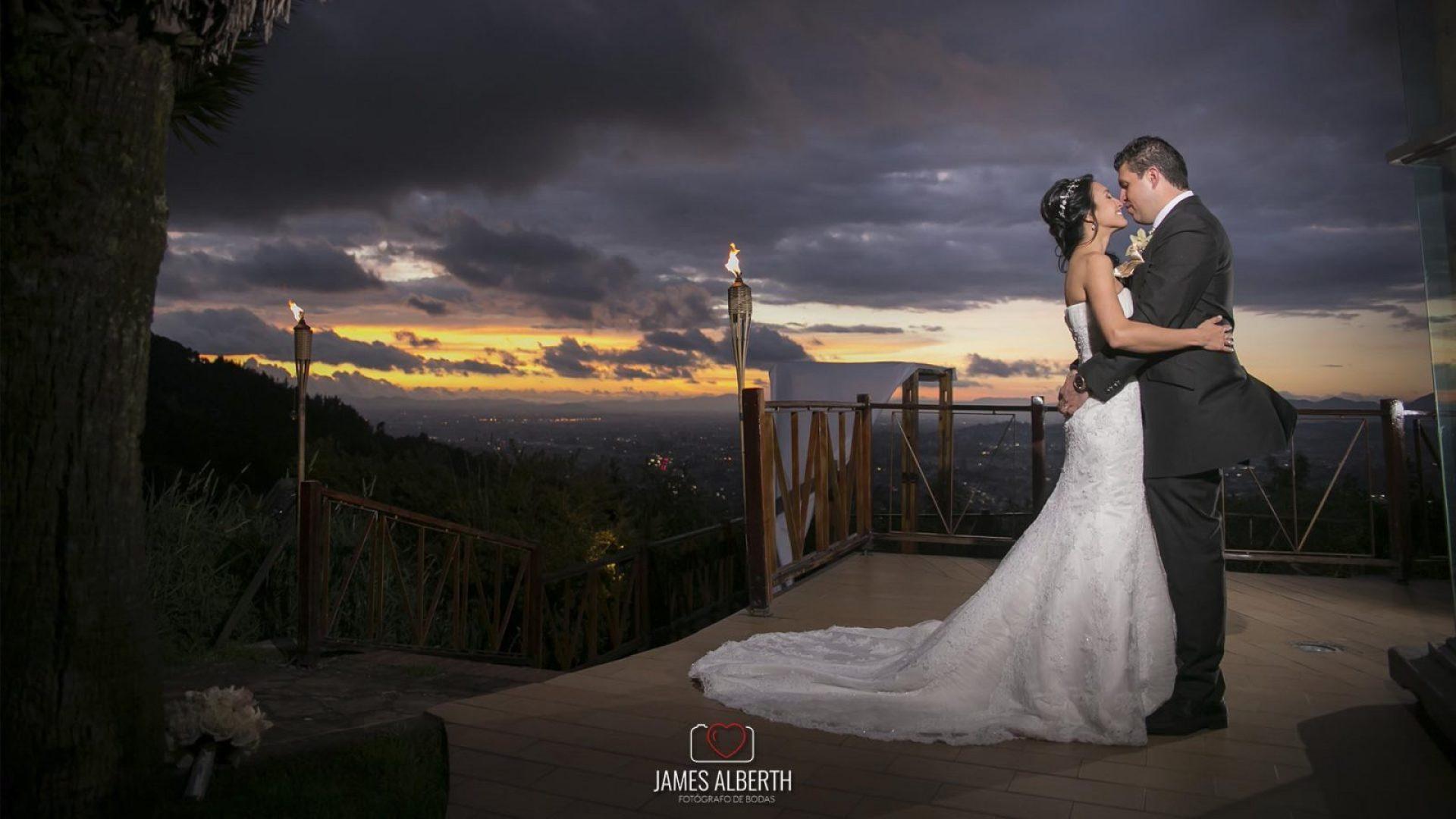 fotografo-de-bodas-james-alberth-fotografias-de-bodas-en-la-calera-bahia-centro-de-convenciones