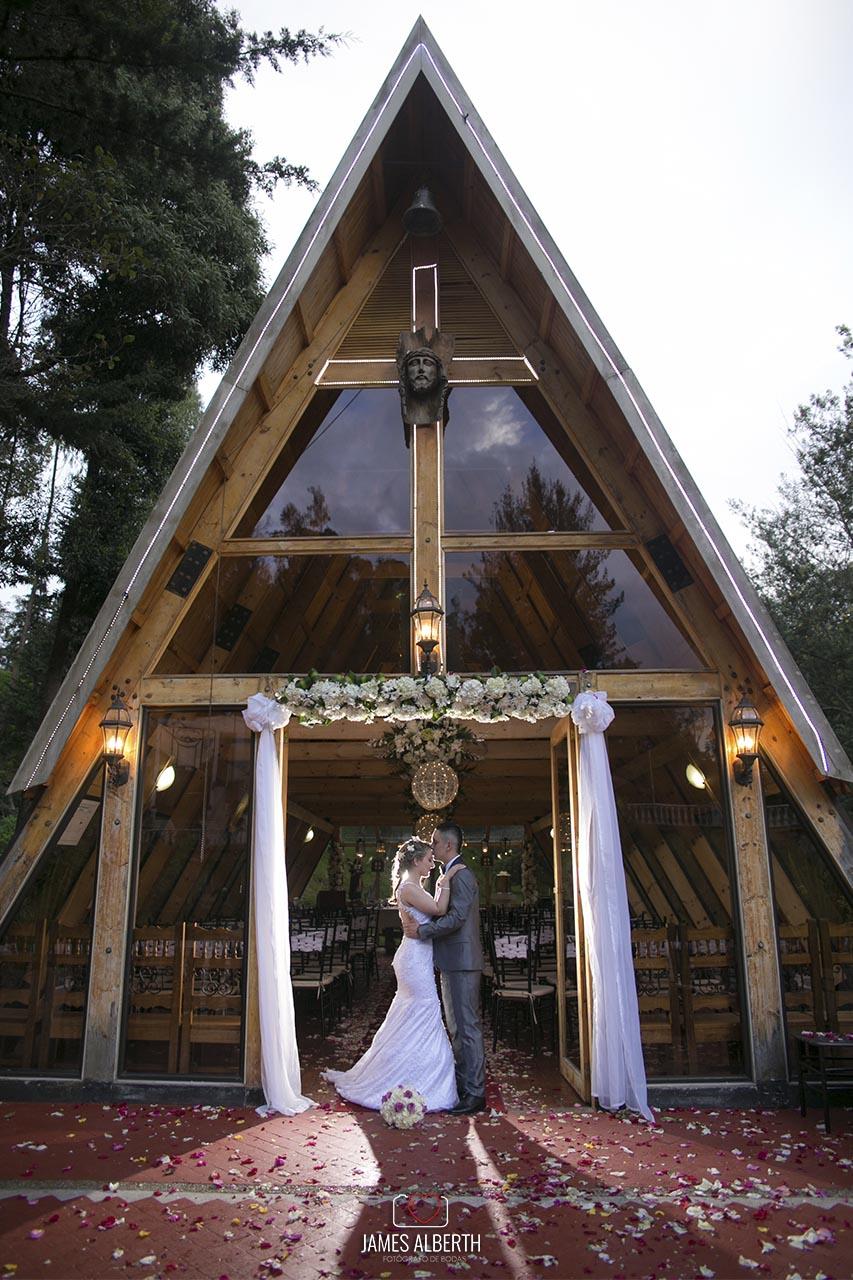 fotografias-de-bodas-rincon-de-teusaca-bodas-en-la-calera-matrimonios-fotografias-de-bodas-james-alberth-tobar