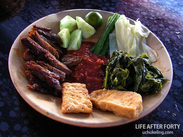 Nasi Lalapan Daging