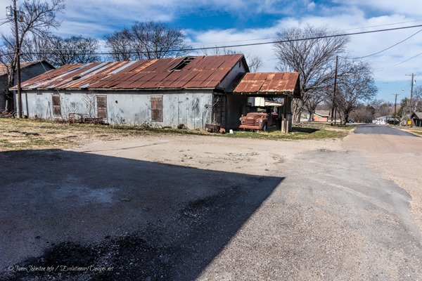 Abandoned Service Station in Italy, Texas