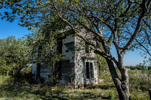 Abandoned-Farm-House-Near-Eddy-Texas-11