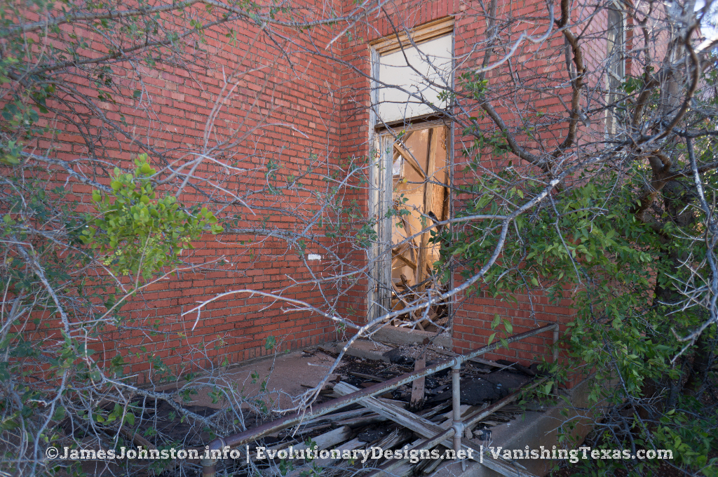 Abandoned Building South of Stamford, Texas - hidden door
