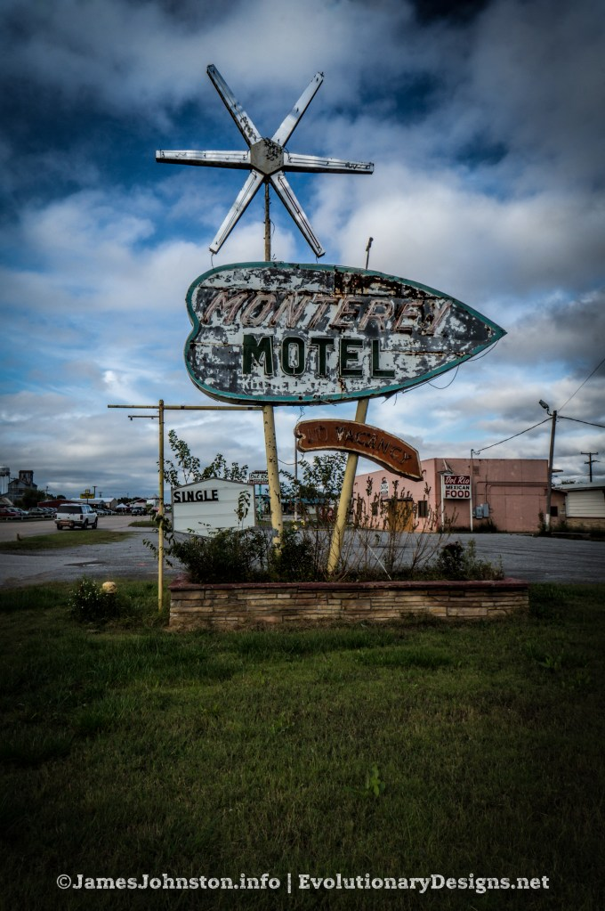 Monterey Motel - Vintage Signs in Oklahoma