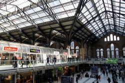 1280px-liverpool_street_station_in_london_spring_2013_7