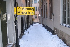 Warning about the ice in Gamla Stan