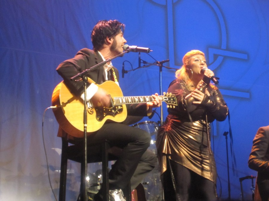 Sarah Dawn sings with guitarist