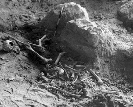 One of the piles of scattered bones in the middle of Cave 2001
