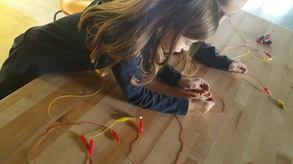 "Creating another type of parallel circuit. This time using a ""bus"" method."