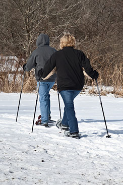 Hiking on snowshoes is a great way to explore the outdoor world in winter. You can take advantage of a special opportunity for outdoor exploration with a naturalist on Saturday afternoon, January 23, at the Audubon Nature Center.