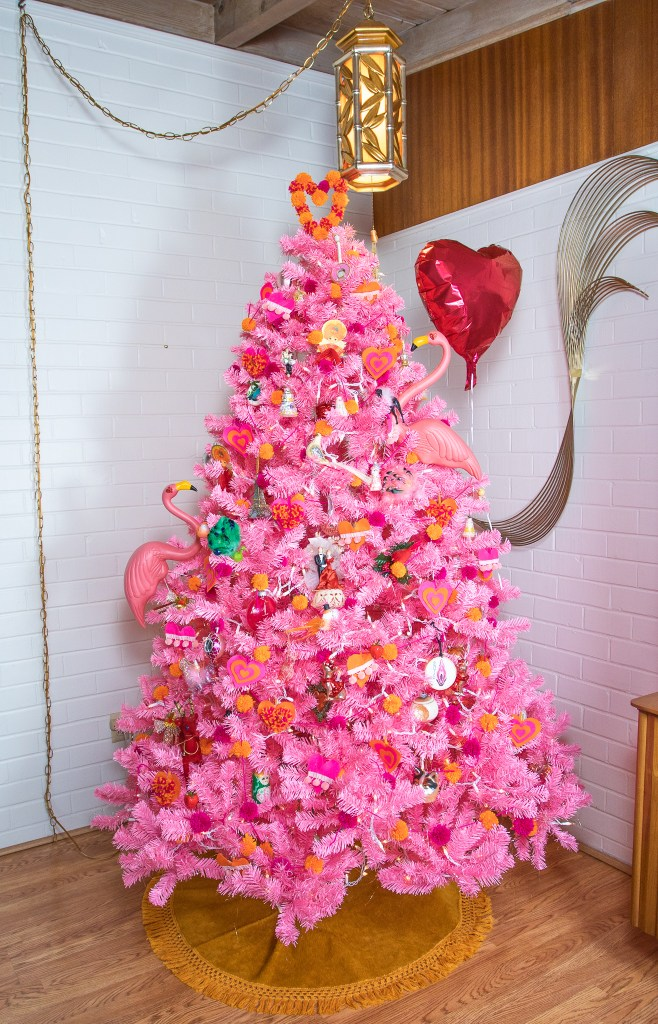 Valentine's Day Tree Pink