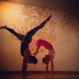 flex & flow yoga - handstands