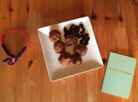 Vegan almond pulp macaroons
