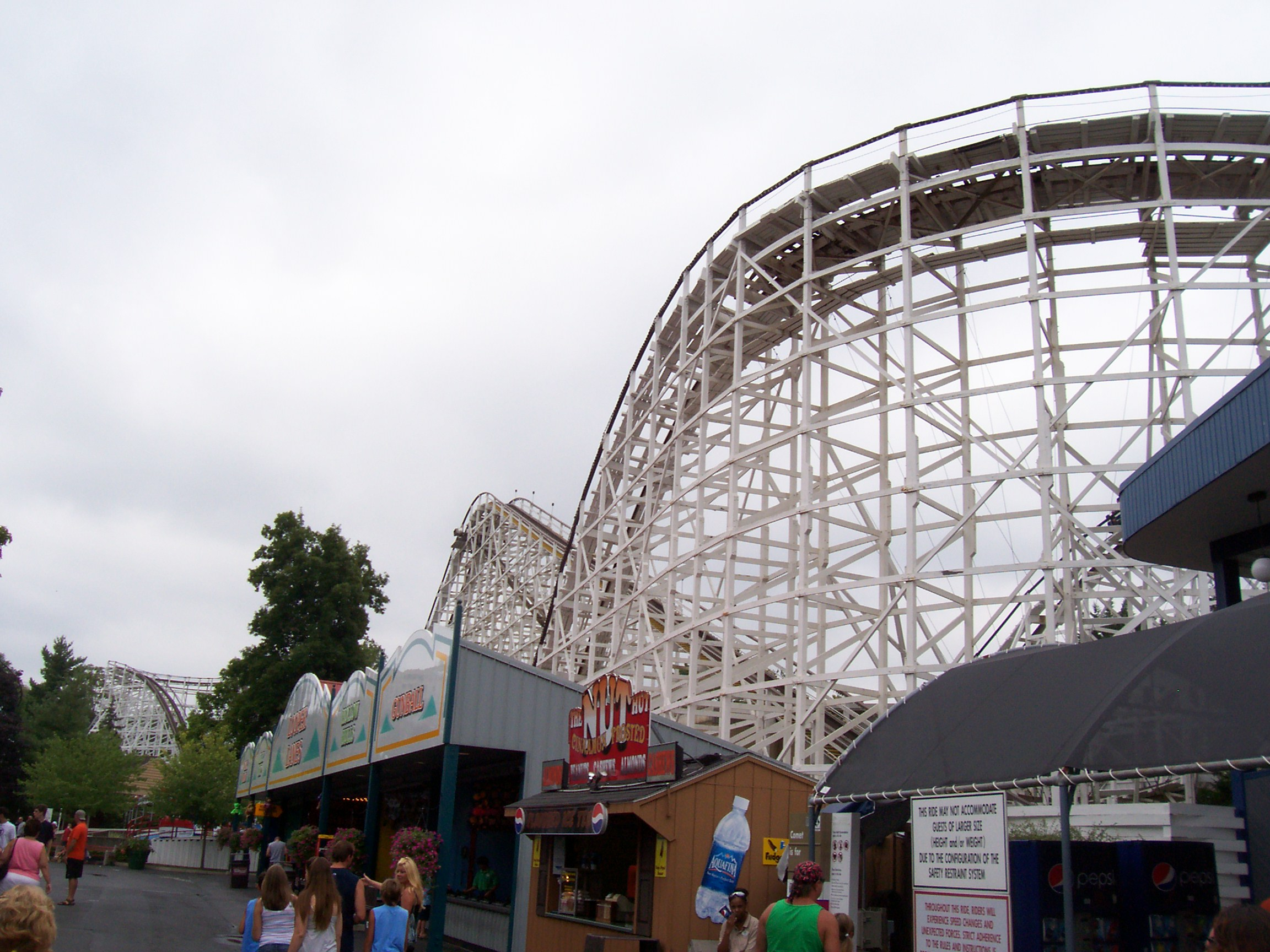 Riding the Roller Coaster  A blog devoted to theme parks and roller coasters