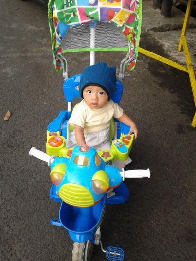 sabiq on bicycle 4