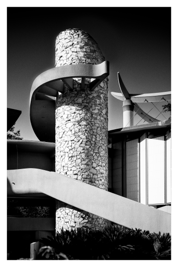Los Angeles County Museum of Art   Leica M Monochrom (Typ 246)   Leica Summicron-M 35mm f/2 ASPH.   1/1500s   f2   ISO 320