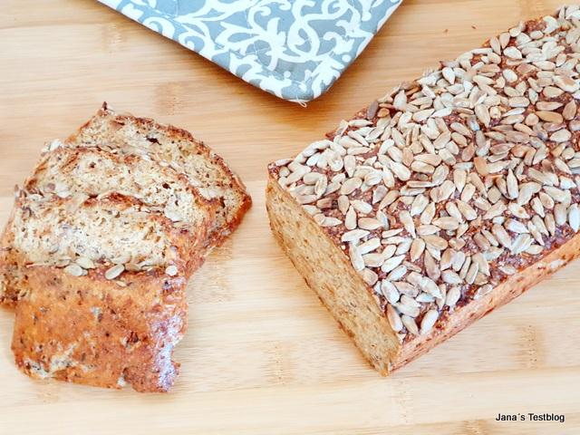 Rezept – Low Carb Brot mit Sonnenblumenkernen