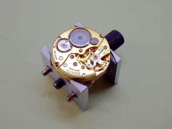 ゼニス 18K金無垢 アンティーク ラウンドモデル スモールセコンド Cal.106-6 手巻き