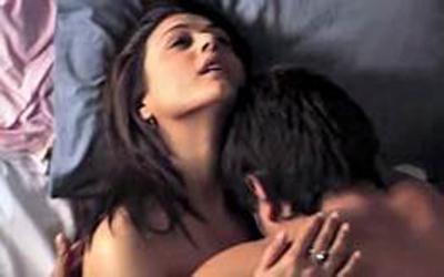 नियमित सेक्स गर्नेलाई कोरोनाको जोखीम कम !