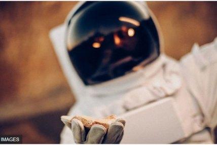 चन्द्रमाबाट ढुंगा ल्याउन जम्मा १ डलर दिँदै नासा