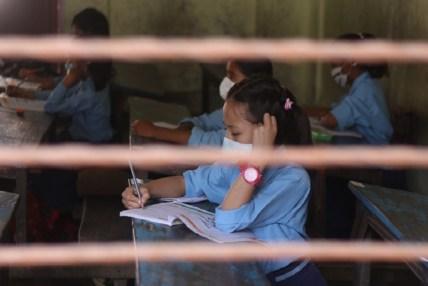 विद्यालय खुले, स्वास्थ सुरक्षामा ध्यान गएन्