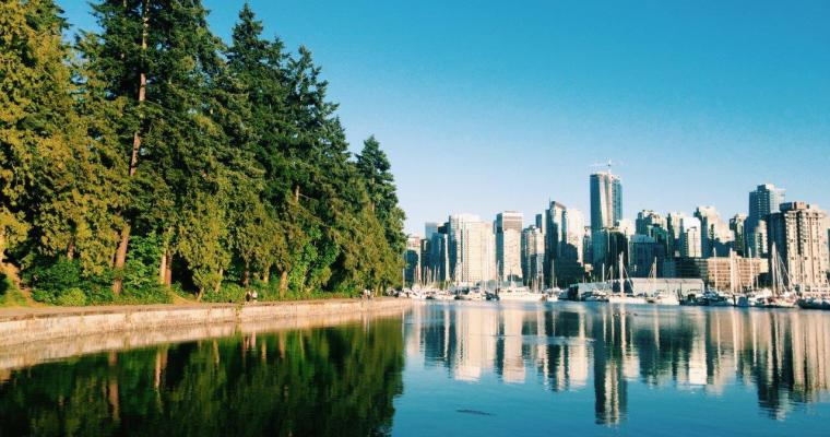 Walking the Stanley Park Seawall