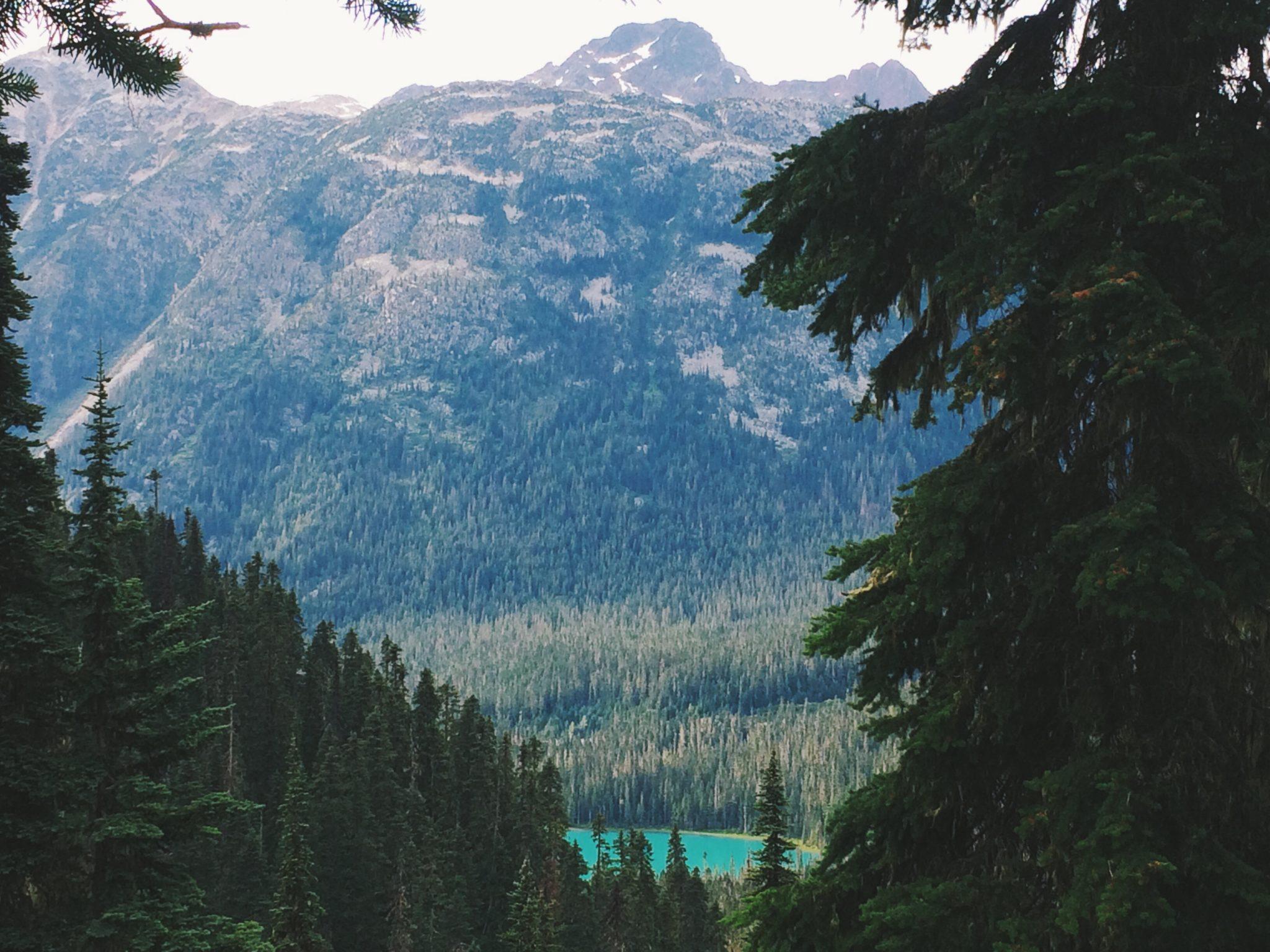 jana meerman joffre lakes hike