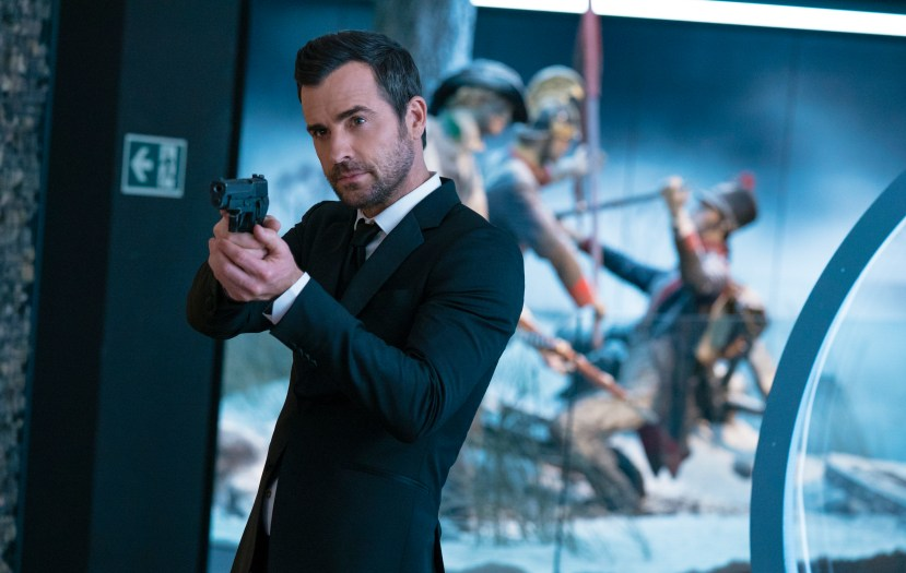 """Justin Theroux as """"Drew"""" in THE SPY WHO DUMPED ME."""