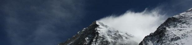 Puncak Everest diambil dari jalur sebelum Camp IV