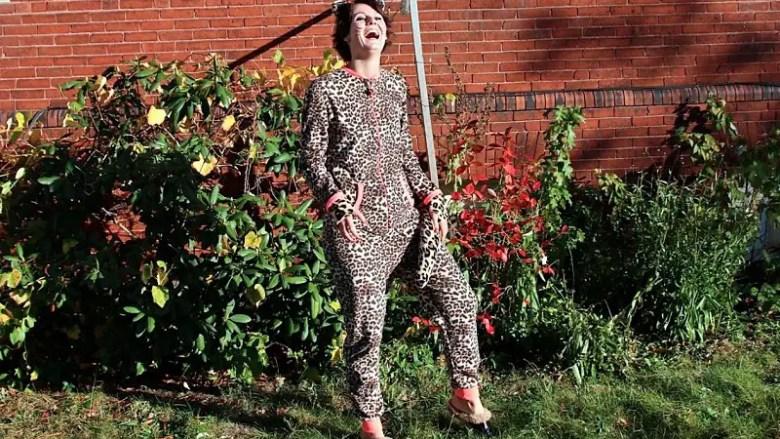 5 1/2 Fast & Easy Halloween Costume Ideas