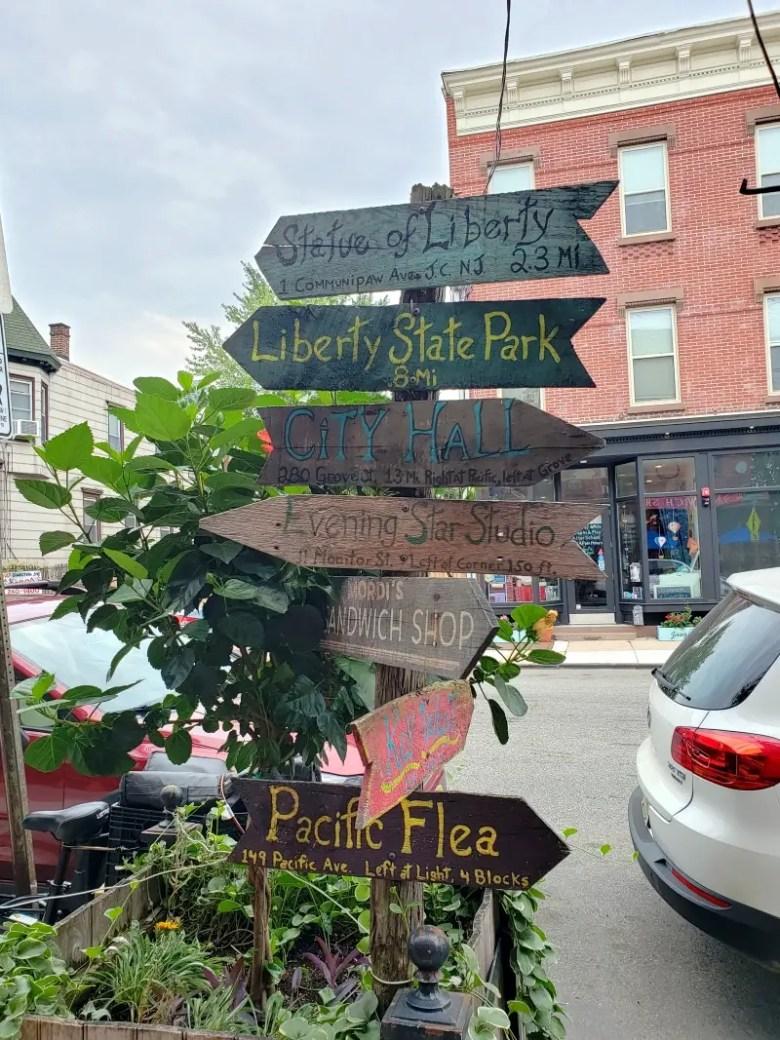 Signpost on Communipaw Avenue - Quick Trip to Jersey City | janavar
