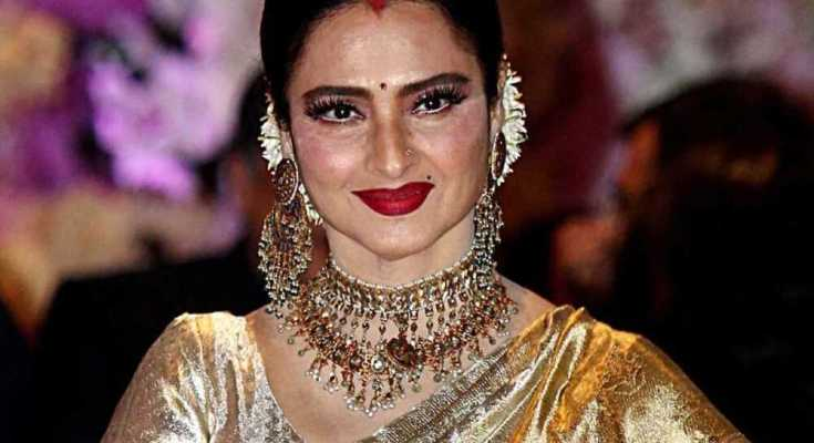actress rekha bunglow sealed by BMC after security guard tested corona positive