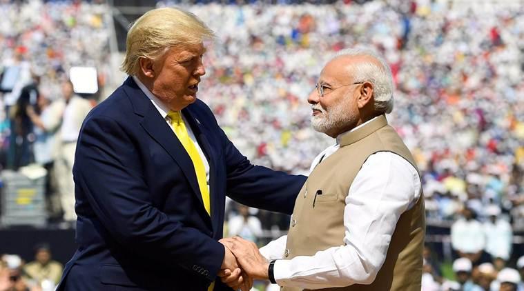 गुजरात में 24 फरवरी को नरेंद्र मोदी ट्रम्प के साथ।