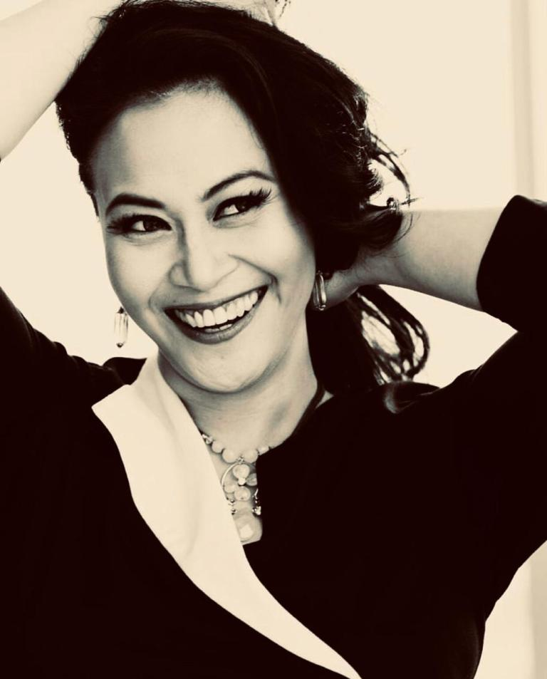 Ep 038 – How to Survive Narcissistic Abusive Relationships with Sexologist Zoya Amirin