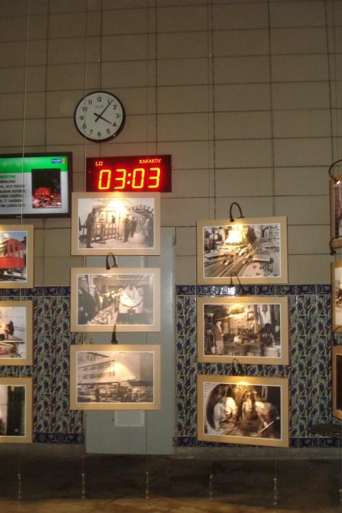 Tunel stanica - Tunel station