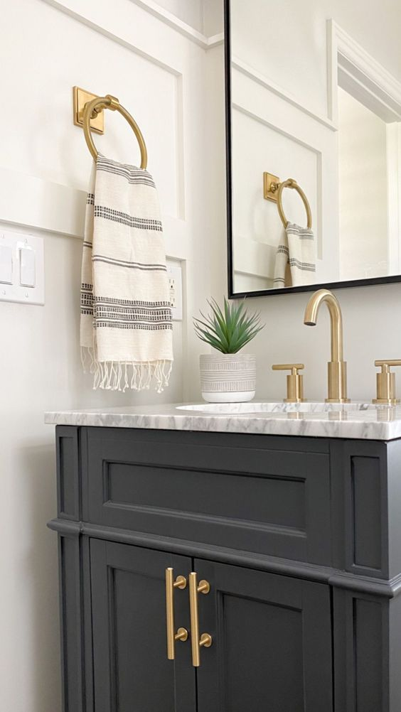 A modern minimal small bathroom renovation - a thoughtful place