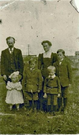 Rob and Ida Milne and Family