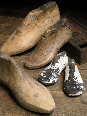 Fashionable Shoes of the 18th and 19th Centuries and How