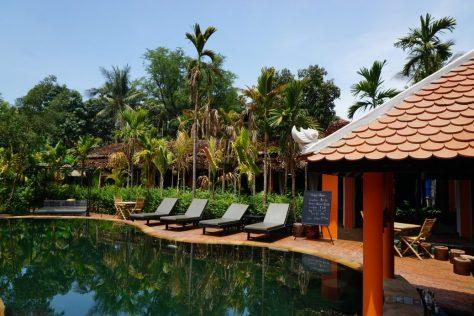 Pool- und Restaurantbereich Central Indochine