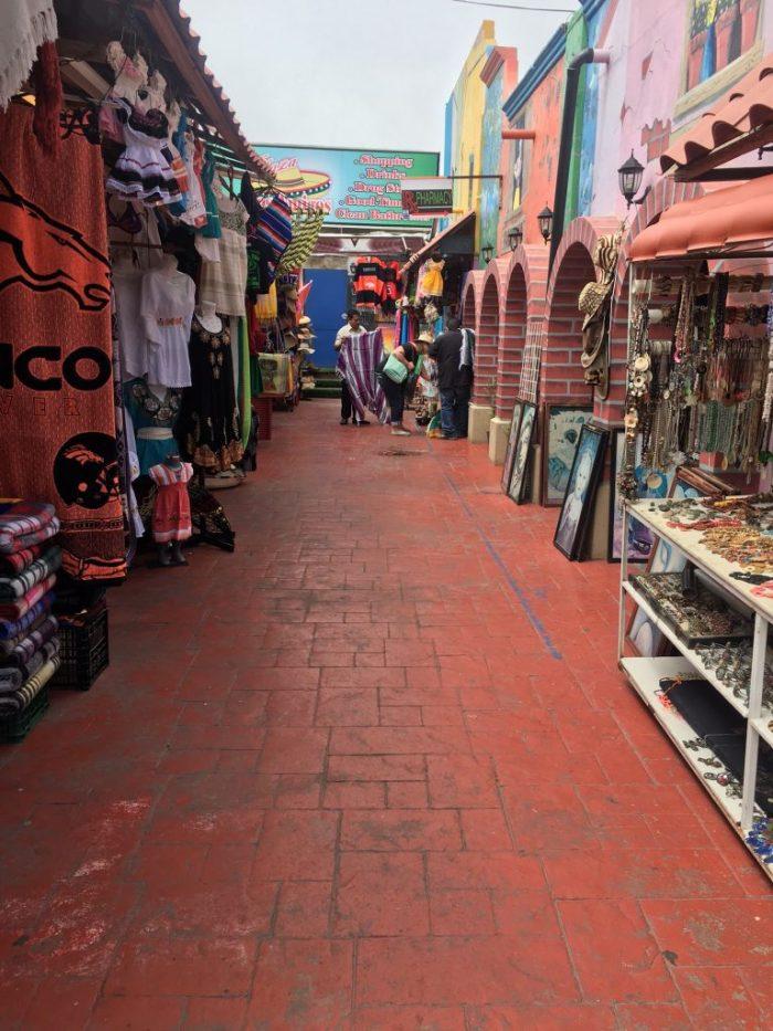 Shopping in Mexico, cruise ship travel