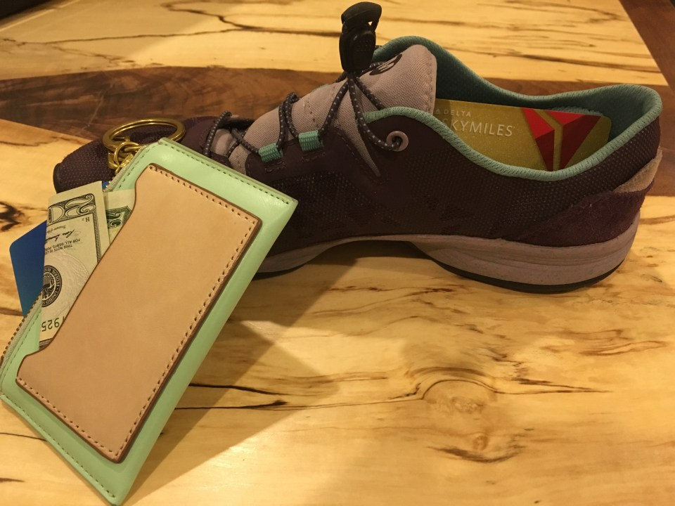 Shoe and wallet