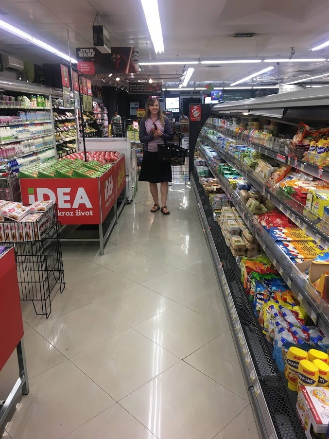 5 random travel tips. Shopping in a foreign grocery store.