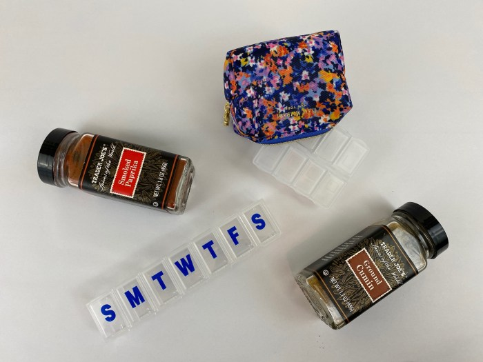 pill containers, spices, DIY travel spice kit