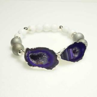 Druzy Agate Slice and White Howlite Bead Bracelet