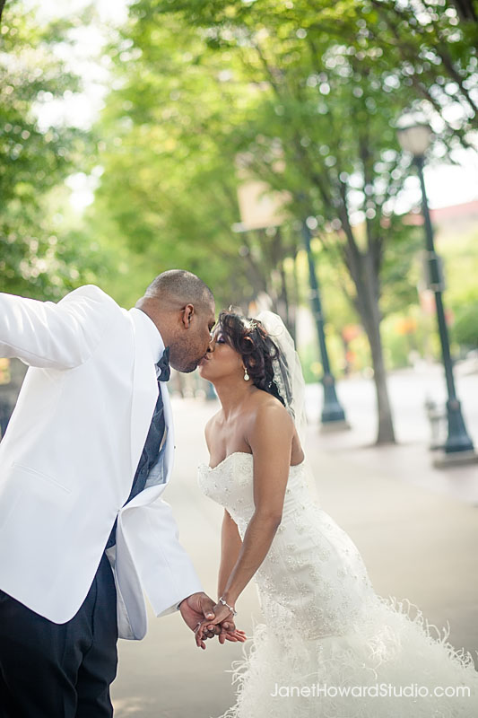 Downtown Atlanta Centennial Park Wedding